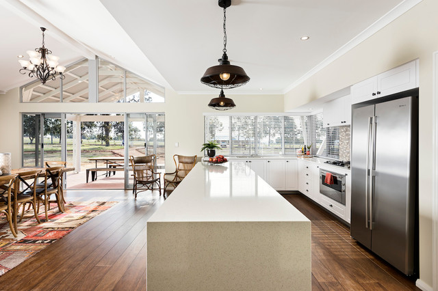 Inspiration for a transitional kitchen remodel in Perth