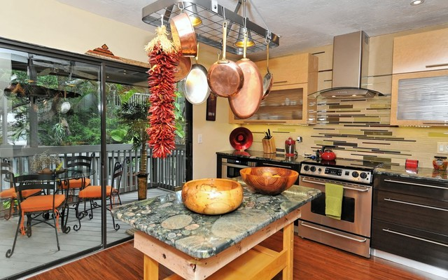 The Landings Treehouse Eclectic Kitchen