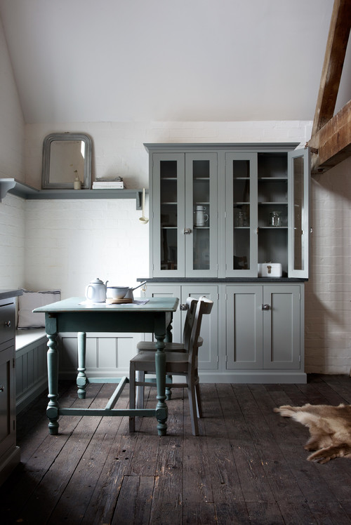 The Loft Shaker Kitchen by deVOL