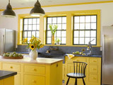 farmhouse kitchen 12 Farmhouse Touches That Bring Homeyness to a Kitchen (17 photos)