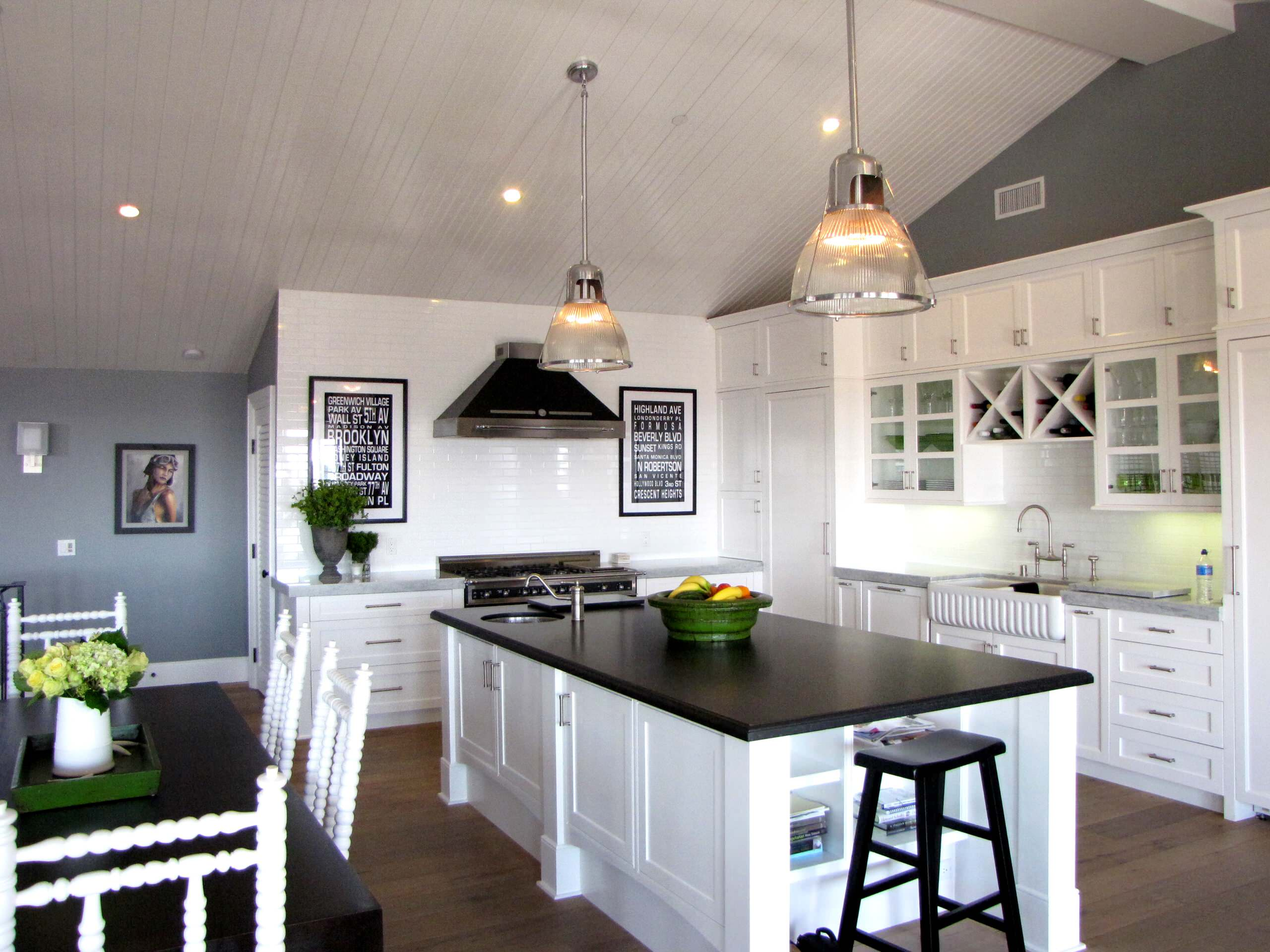 Black Hardware White Cabinets Houzz