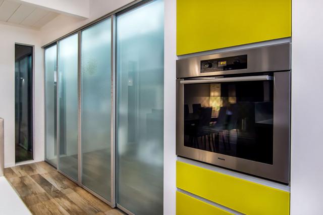 The sliding door company kitchen for Sliding door design for kitchen