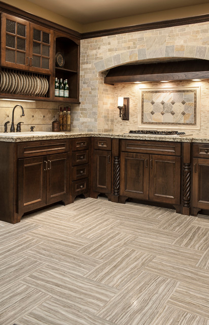 The Tile Shop Showroom: Kitchens Midcentury Kitchen