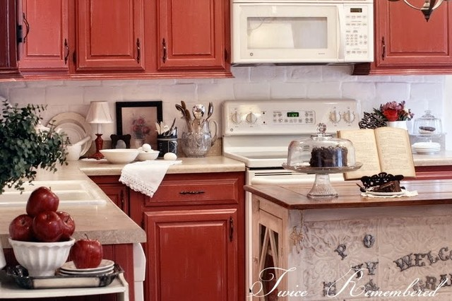 The Twice Remembered Cottage traditional-kitchen