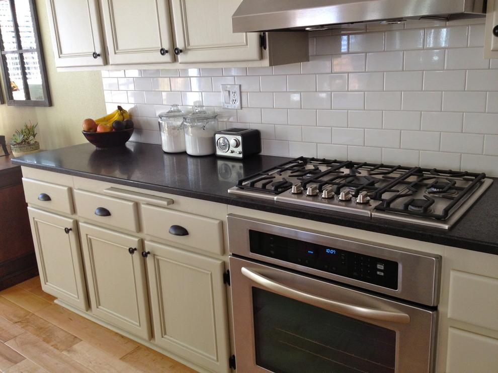 Elegant kitchen photo in San Diego
