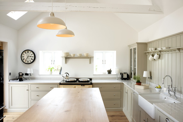 The Warwickshire Barn Shaker Kitchen by deVOL - Farmhouse - Kitchen ...