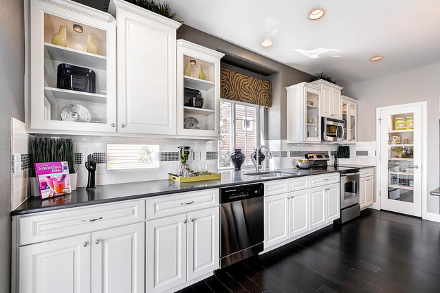 The Yampa - Contemporary - Kitchen - denver - by Oakwood Homes