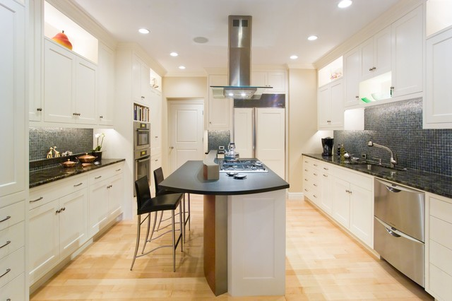 This Kitchen is White and Bright traditional-kitchen