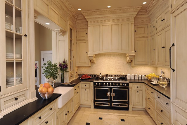 Thomas & Moore Residence traditional kitchen