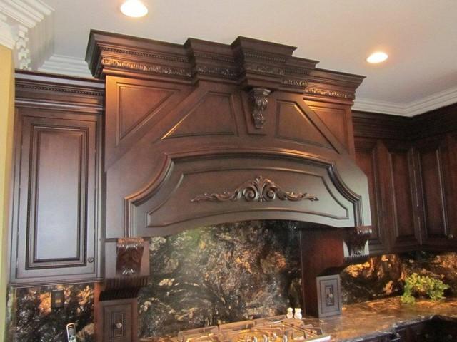 Thompson job, Maple Sable w/ Black Glaze traditional-kitchen