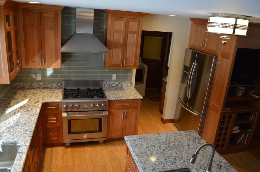 Thompson Kitchen & Bathroom - Traditional - Kitchen ...