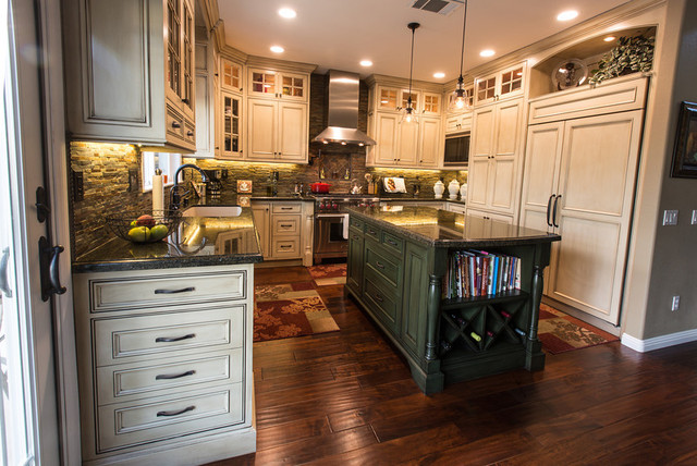 Threw Residence traditional-kitchen