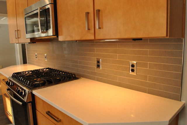 Tile Backsplash U0026 Quartz Countertop Transitional Kitchen