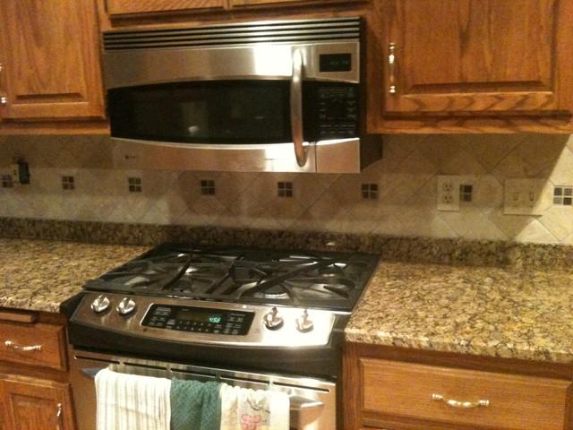 Tiled Kitchen Backsplash's traditional-kitchen