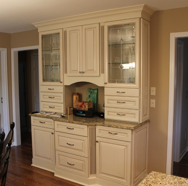 Timeless Elegance Cozy Traditional Traditional Kitchen Detroit By Kurtis Kitchen Bath