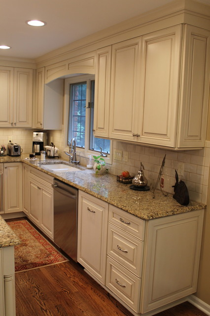 Timeless Elegance, Cozy Traditional traditional kitchen