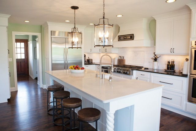 Timeless White Kitchen Traditional Kitchen Milwaukee By Zuern Kitchen Design Showroom
