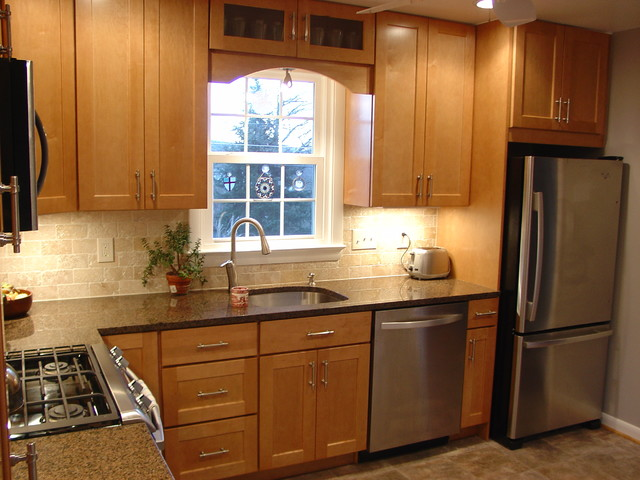 Timonium l shaped kitchen traditional kitchen for Baltimore kitchen cabinets