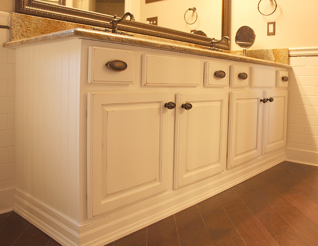 Tony's bathroom - Kitchen - DC Metro - by Pro Refinish