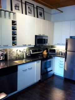 Toronto Condo contemporary-kitchen