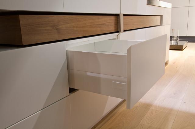 Toronto Interior Design Show 2013 modern-kitchen-cabinetry