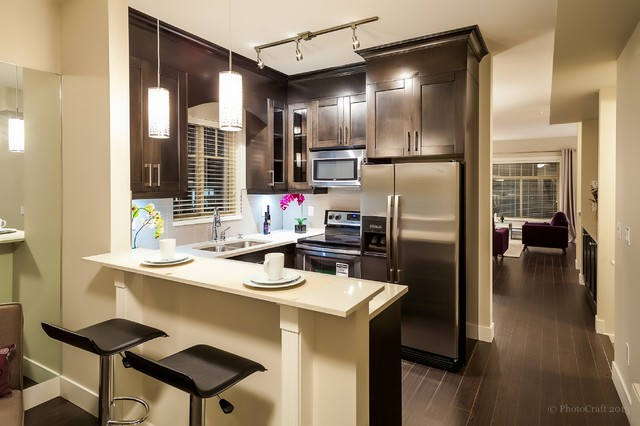 Town house staging 2950 lefeuvre rd abbotsford bc for California kitchen cabinets abbotsford