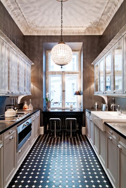 Townhouse apartment traditional kitchen new york for Townhouse kitchen design