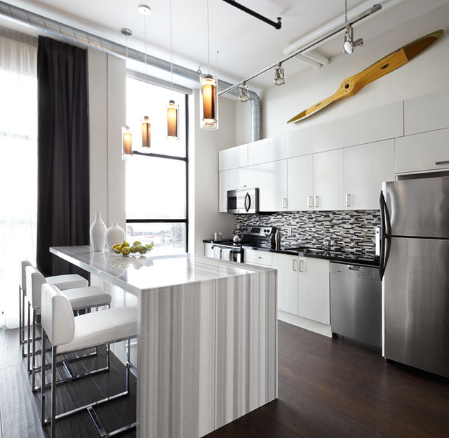 Toy factory loft kitchen interior design toronto for Modern kitchen design for condo