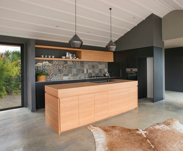 Tracey Gilesc Contemporary Kitchen
