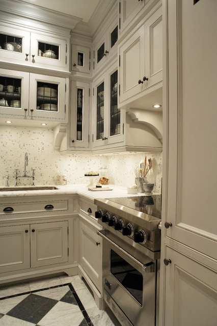 Traditional 2 traditional kitchen toronto by for Bellini kitchen cabinets