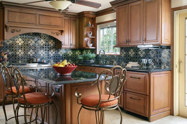 Highlands Kitchen - Island, Refrigerator Drawers, Granite Countertops traditional-kitchen