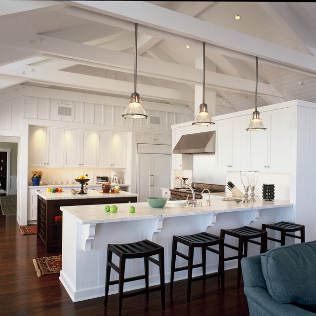Traditional beach house for Small beach house kitchen designs