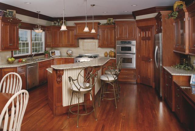 Traditional Birch Kitchen traditional-kitchen