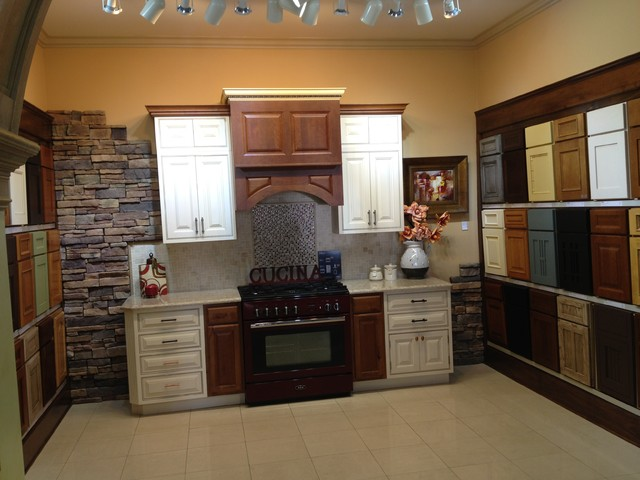 Showroom Room2 Traditional Kitchen Detroit By