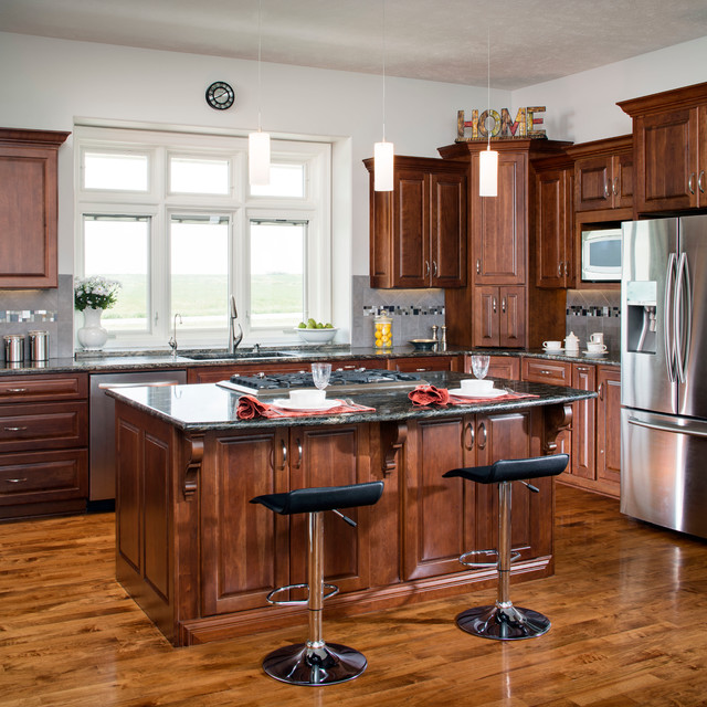 Traditional Kitchen Omaha By Cabinet Factory Outlet Plus