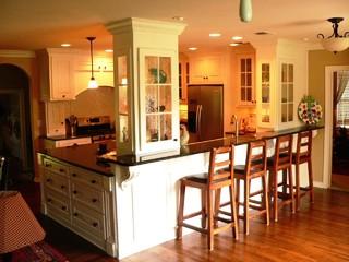 Traditional craftsman craftsman kitchen austin for Kitchen remodeling austin tx