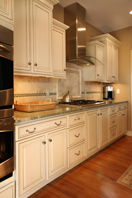 Traditional Cream Kitchen with Cherry Island & Hutch traditional-kitchen