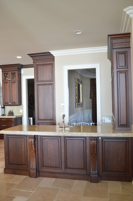 Traditional elegance traditional kitchen detroit for Bella cucina kitchen cabinets