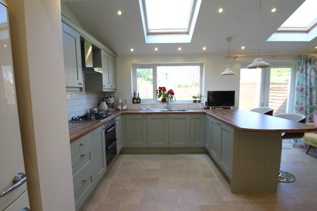 Traditional english kitchen in sage traditional for Traditional english kitchen design
