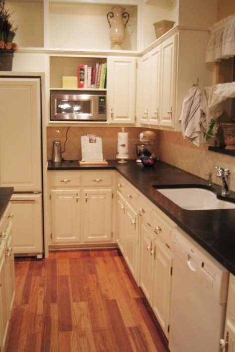 Traditional Family Kitchen - Irving, TX
