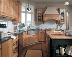 Traditional Farmhouse traditional kitchen