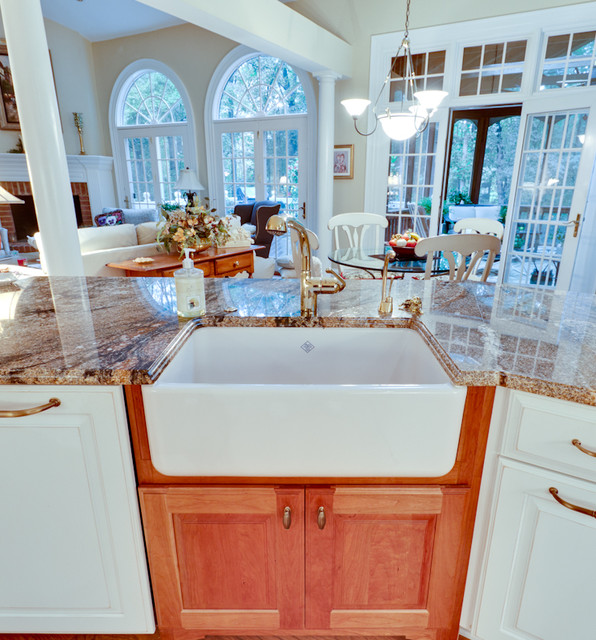 Classical French Kitchen Refit: Traditional French Country Kitchen