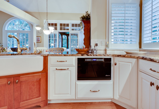 Traditional French Country Kitchen traditional-kitchen