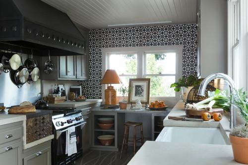 kitchen backsplash design: hand-painted tiles -