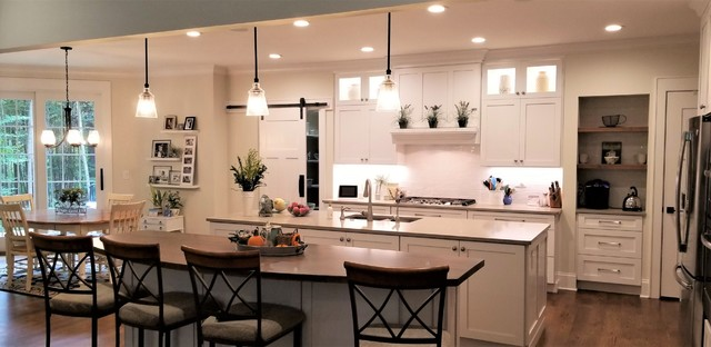 Traditional home traditional-kitchen
