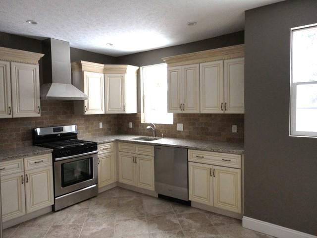 Kitchen Antique White, traditional-kitchen