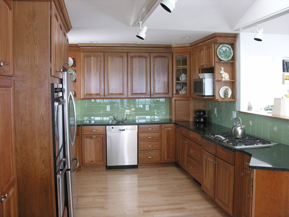 Traditional Kitchen and Bath - Traditional - Kitchen ...