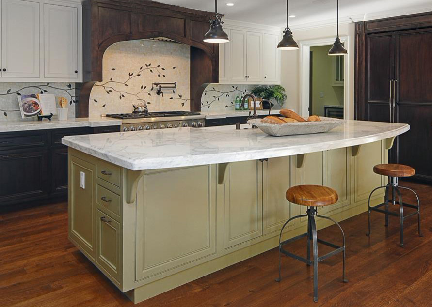 Traditional Kitchen & Family Room