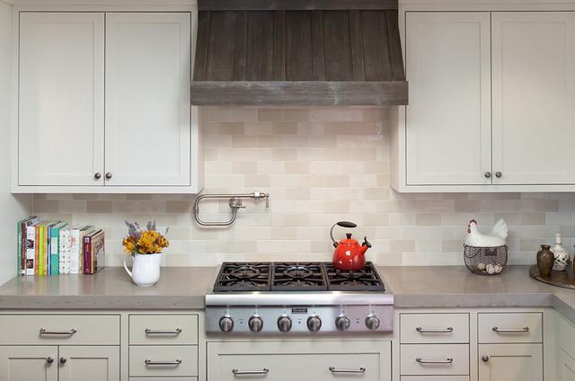 inspiration for a timeless kitchen remodel in san francisco with beige backsplash subway tile backsplash