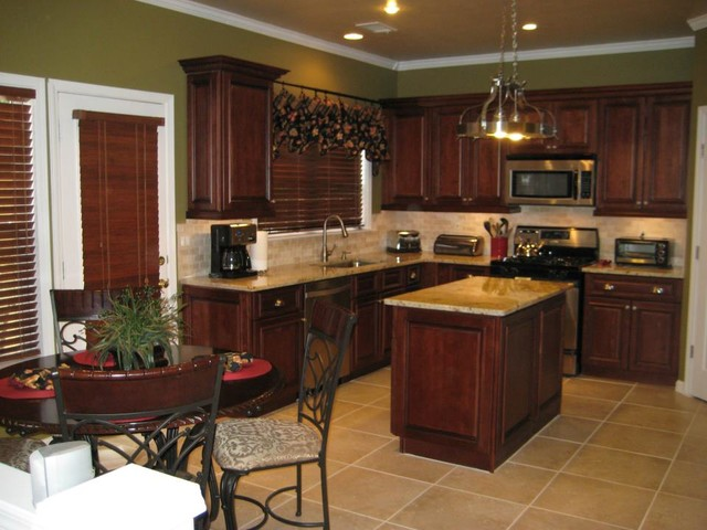 Traditional Kitchen- Brandywine Kitchen Cabinets ...